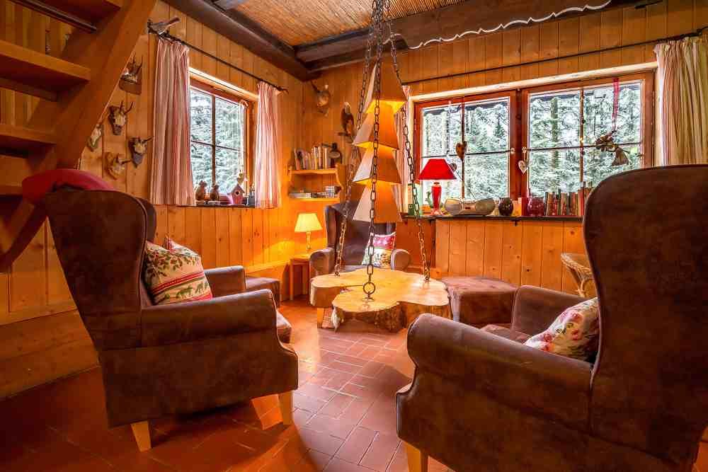 Historisches waldferiendorf d rrwies haus wildsch tz for Sessel 19 jahrhundert